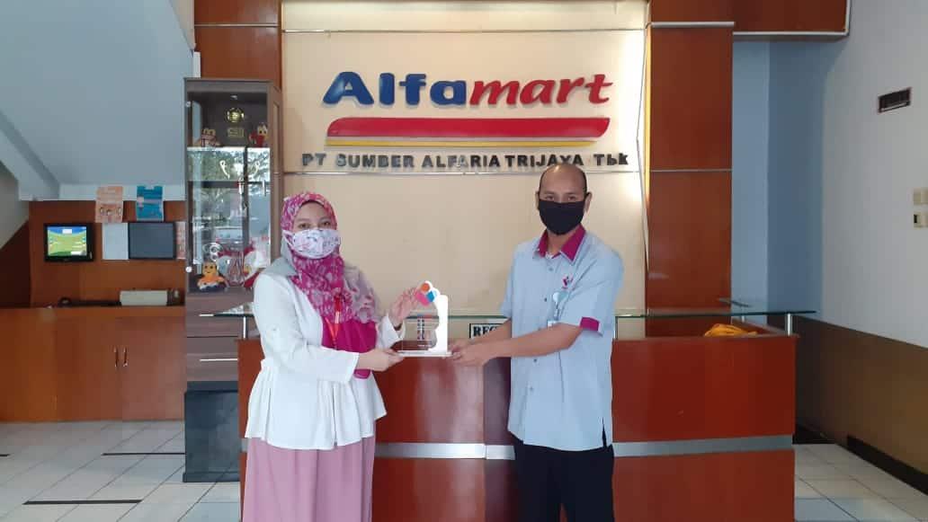 Alfamart Mitra Terdepan Lembaga Amil Zakat Nasional PYI Yatim dan Zakat.