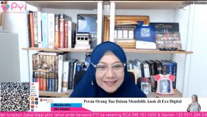 dr. Aisah Dahlan, Cht ketika memaparkan materi
