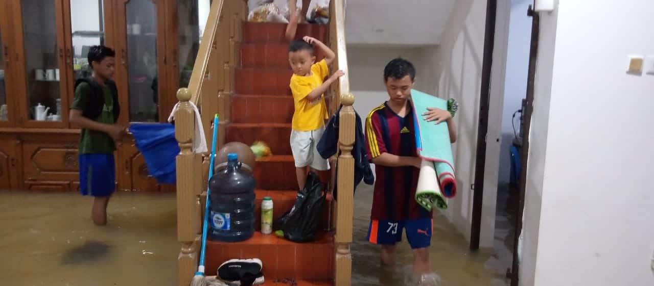 Asrama Yatim PYI Joglo Terendam Banjir