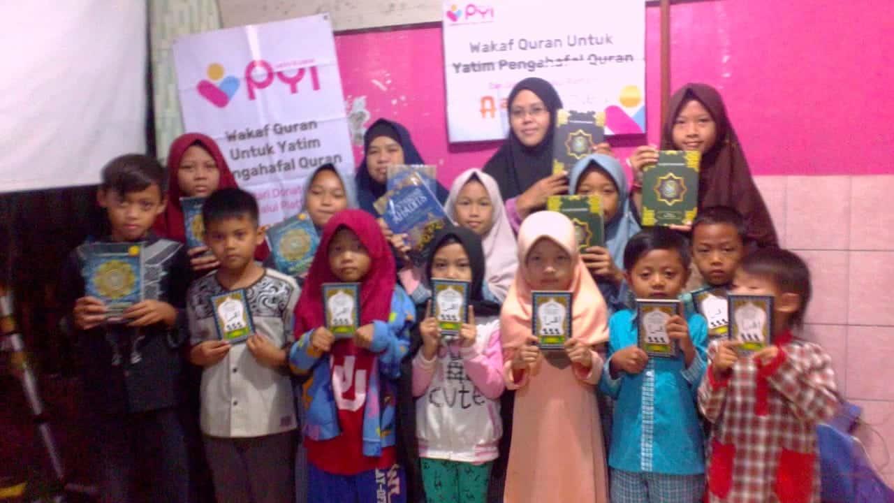 Distribusi Quran bagi yatim penghafal quran