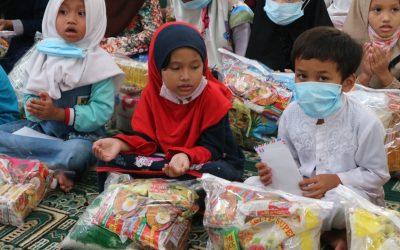 Panti Yatim Indonesia Salurkan Paket Sembako Untuk Yatim, Guru Ngaji dan Dai