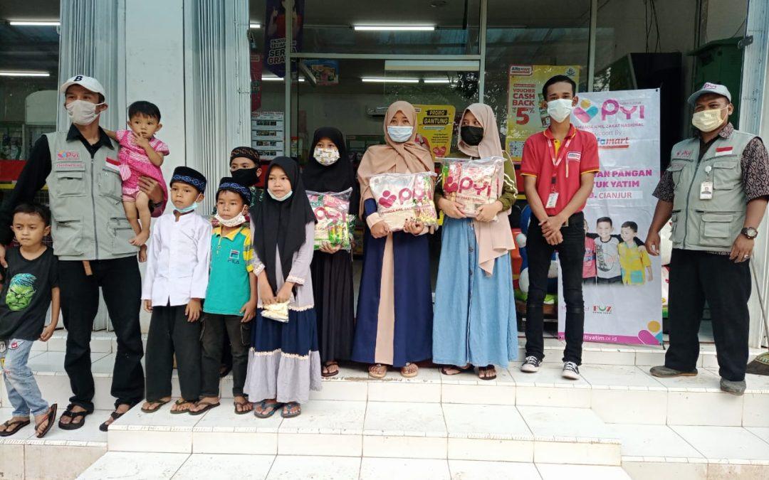 PYI Salurkan Bantuan Pangan dan Voucher Untuk Yatim