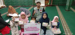 Penyaluran Paket berbuka Untuk Masjid