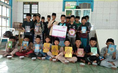 PYI Salurkan AlQuran Wakaf Bagi Santri Yatim Dhuafa Penghafal Quran